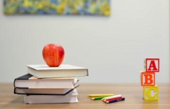 Quels sont les méthodes et courants d'éducation alternative ?